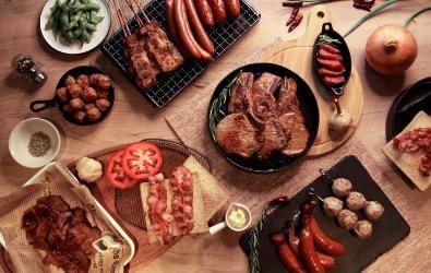 適合 9-12 人的「人滿為肉-不飽不歸烤肉組」,十件組,優惠價$2099