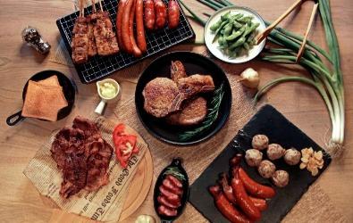 適合 6-8 人的「情厚月滿-肉肉派對烤肉組」 ,八件組,優惠價$1399